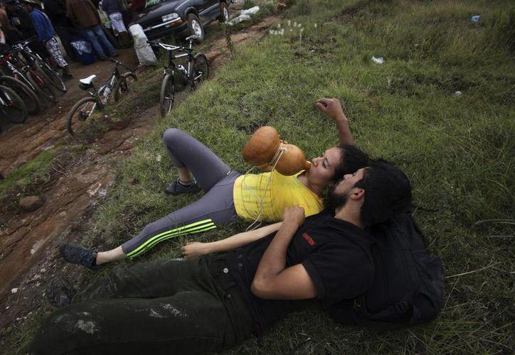 Los jóvenes están 'retomando' sus raíces, y el pulque retoma el auge que tenía antes de los años 70. (Marco Ugarte/AP)