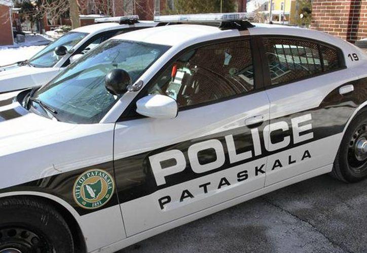 La policía en Pataskala llegó al colegio para investigar el caso. (newarkadvocate.com)
