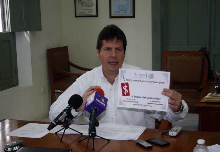 José Antonio Nevárez Cervera, delegado de la Profeco en Yucatán, al momento de anunciar el operativo de verificación y vigilancia Fiestas Patrias 2014 (Milenio Novedades)