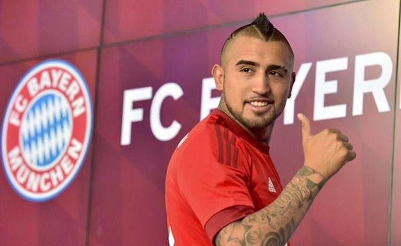 El Bayern Munich presentó este día al mediocampista chileno Arturo Vidal como su nuevo refuerzo para encarar la Bundesliga 2015-2016.(Efe)