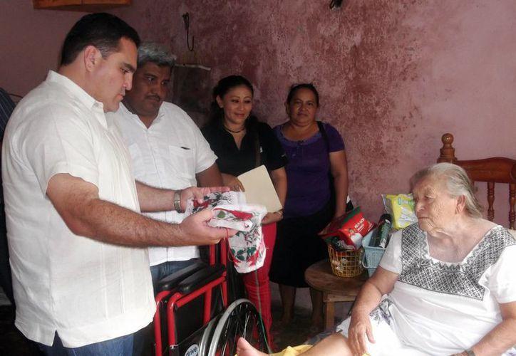 Entregan aparatos ortopédicos a los más vulnerables de Homún. (SIPSE)