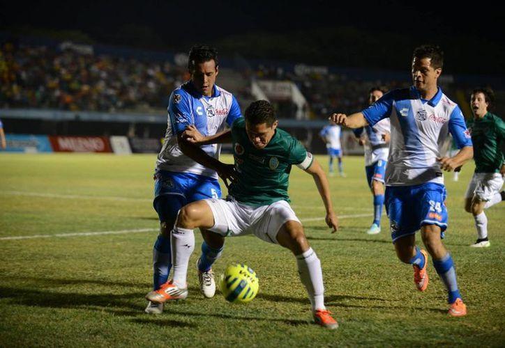 El partido de Copa Mx entre Venados del Mérida CF y Puebla se definió desde los primeros 45 minutos, pues desde entonces el marcador quedó 2-0 a favor del visitante. (Luis Pérez/SIPSE)