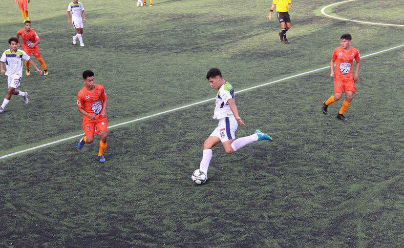 El encuentro tuvo lugar en la Unidad Deportiva Riviera Maya. (Miguel Maldonado/SIPSE)