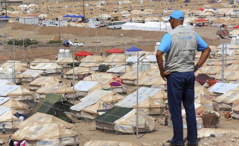 El número de refugiados en los países vecinos ya supera los dos millones. (Archivo/EFE)