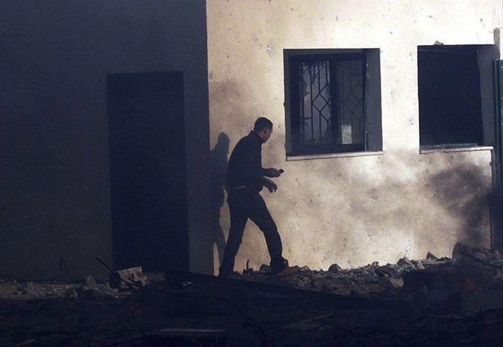 Al norte de Bagdad, la policía abatió a un hombre que pretendía irrumpir con explosivos en un cuartel de la policía. (EFE)