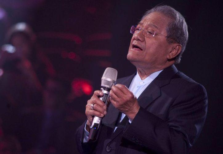 Armando Manzanero explicó que la responsabilidad de hacer buenas canciones la tiene por naturaleza. (Archivo/Notimex)