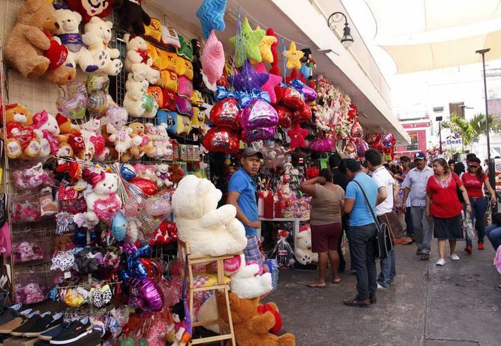 Las ventas por el Día del Amor y la Amistad se quedaron cortas. (Juan Albornoz/SIPSE)