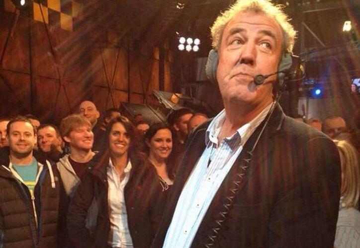 En mayo pasado Clarkson casi perdió su trabajo por utilizar expresiones denigrantes en uno de los episodios de 'Top Gear'.  (@JeremyClarkson)