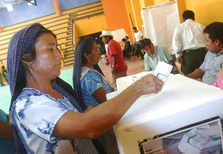 En las últimas semanas se denunciaron al menos cinco casos en que se ha negado o disminuido la participación política de la mujer en la entidad. (Archivo/Notimex)