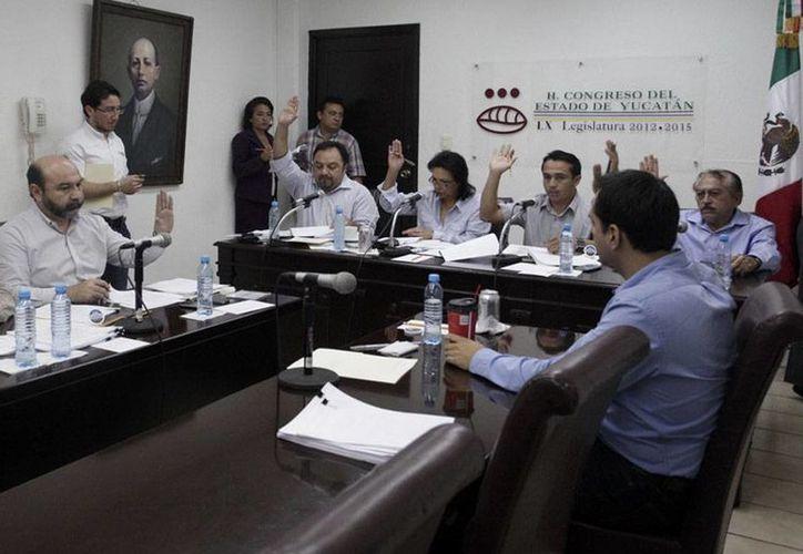 La Comisión de Presupuesto del Congreso del Estado de Yucatán aprobó el aumento al impuestos predial en varios municipios. (Milenio Novedades)
