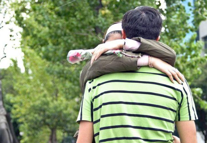 Una encuesta muestra que 3.5% de los jóvenes refirieron haber sido atendidos por el médico por infecciones de transmisión sexual. (blogspot.mx)