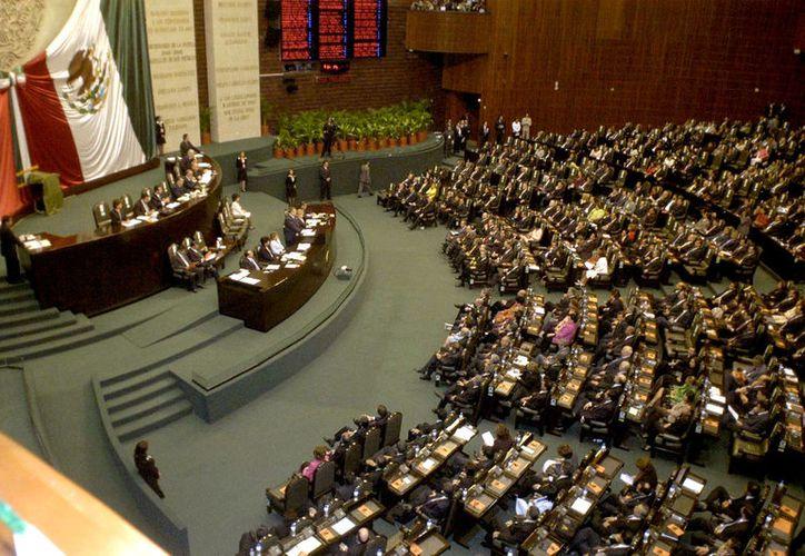 Debate en la Cámara de Diputados donde se retomará el presupuesto de partidos para 2018. (Foto: Internet)