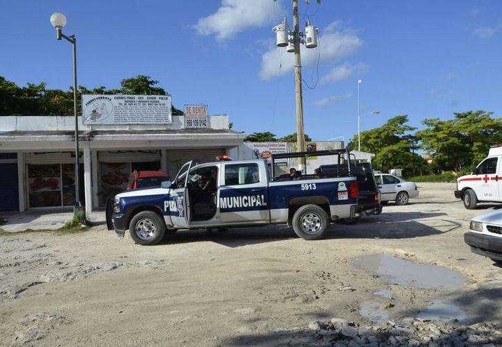La Policía Municipal arribó al lugar, pero los delincuentes ya habían huido. (Foto/Redacción/SIPSE)
