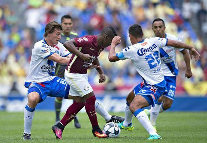 Las acciones del duelo entre la Franja y las Águilas (Mexsport)