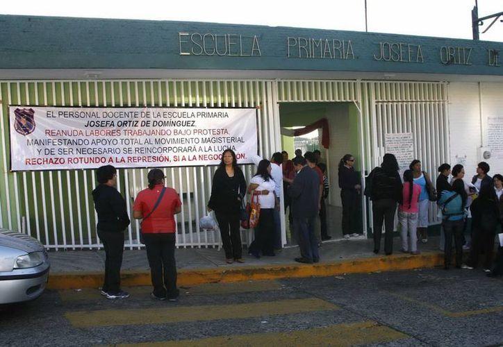 A petición de 10 escritos presentados por padres de familia, Derechos Humanos ha integrado tres quejas enfocadas a la violación al derecho a la educación. (Milenio Novedades)