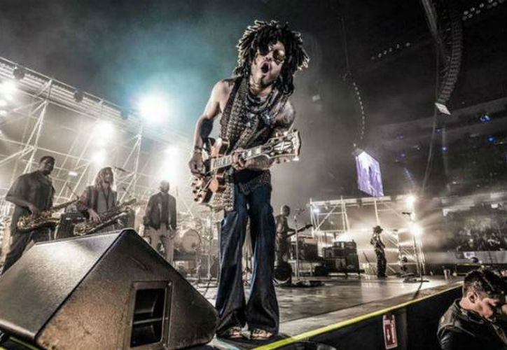 Lenny Kravitz hizo vibrar la Arena Ciudad de México en el inicio de su gira mundial Raise Vibration Tour. (Foto: Twiiter)