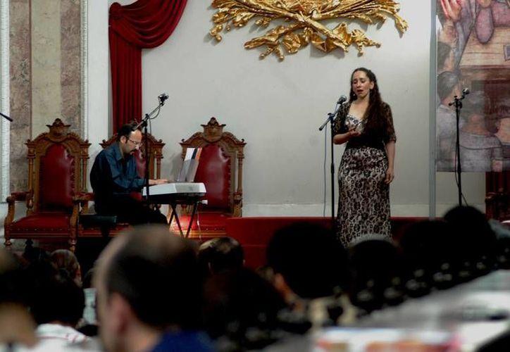 La soprano Torres Maldonado ha participado como solista con la Orquesta Filarmónica de Quintana Roo.  (Redacción/SIPSE)