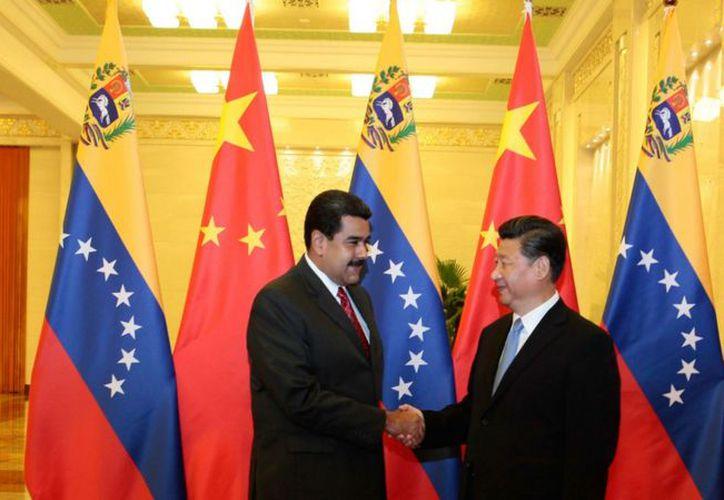 Desde 2005, China ha sido el principal sostén económico de Venezuela, que paga sus créditos con petróleo. (Internet)