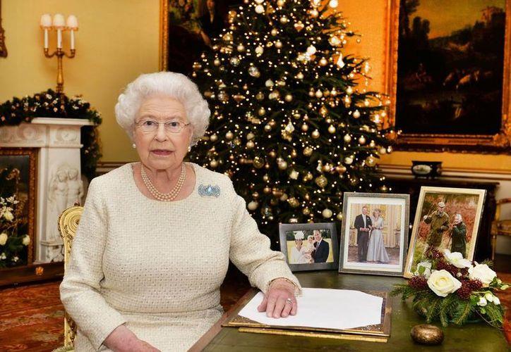 El mensaje de la reina Isabel II es lo más esperado por los británicos en Navidad. (AP)