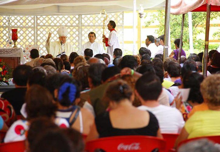 Muchos fieles acudieron a la celebración litúrgica. (Jaun Carlos Albornoz/Milenio Novedades)