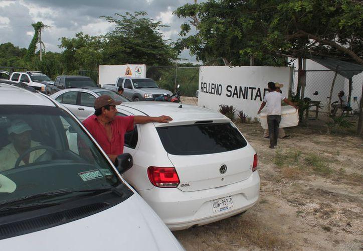 Decidieron impedir el acceso al relleno que ocupa 12 hectáreas y que no cumple con los lineamientos ecológicos. (Carlos Castillo/SIPSE)