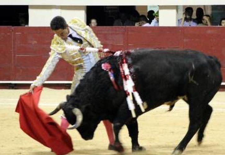 Ignacio Garibay salvó la tarde taurina en el Coliseo de Yucatán. (Milenio Novedades)