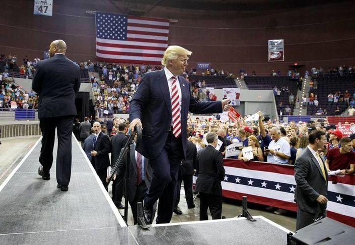 Donald Trump avanza con su polémica campaña por la Presidencia de EU: reafirma que revocatá el Tratado de Libre Comercio de América del Norte. (AP/Evan Vucci)