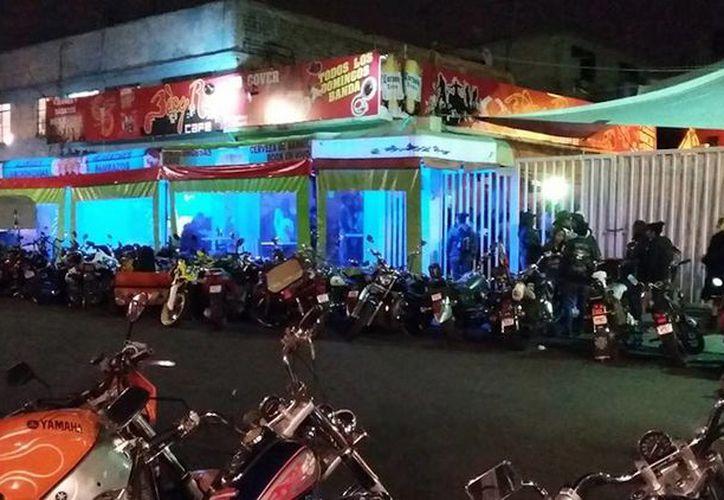 Tras el tiroteo dentro del bar, localizado en la colonia Las Águilas, vecinos dieron aviso a la policía. (Sin Embargo)