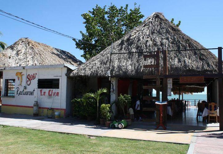 Las calles principales y la bahía de Chetumal lucieron con poca afluencia debido a que las personas tienen temor de ser víctimas de la delincuencia. (Juan Palma/SIPSE)