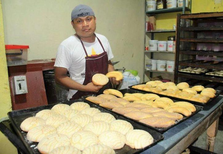 El mal tiempo beneficia las ventas en las panaderías. (Javier Ortíz/ SIPSE)