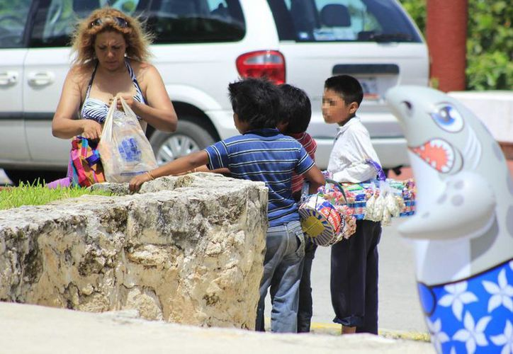 Trabajan en coordinación para el levantamiento de datos sobre el trabajo infantil. (Harold Alcocer/SIPSE)