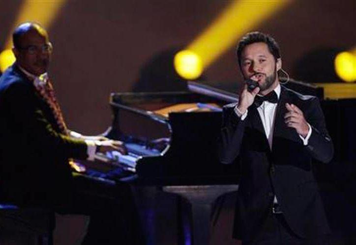 El cantante argentino en la primera edición del Premio Platino del Cine Iberoamericano en el teatro Anayansi en Panamá (AP Foto/Arnulfo Franco).