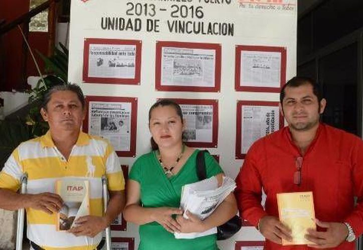 La Unidad de Vinculación instaló un módulo de información en el Palacio Municipal. (Cortesía/SIPSE)