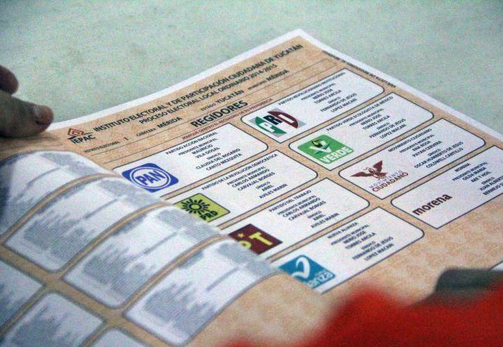 Yucatecos en el extranjero tramitan ante el INE su derecho a votar. (Archivo/SIPSE)