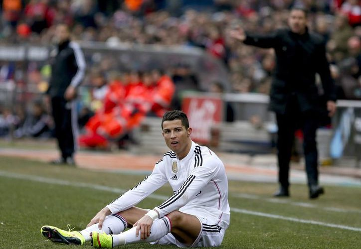 El cuadro galáctico está obligado a defender su condición de líder en la liga, así como avanzar a cuartos de la Champions. (Foto: EFE)