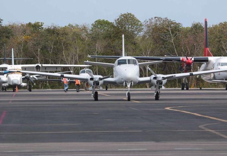 Son diferentes tipos de inspección que se hacen cada que la aeronave cumple 100, 500 y mil horas de vuelo. (Luis Soto/SIPSE)