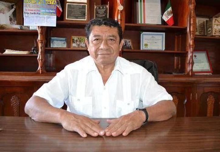 El alcalde Sebastián Uc Yam, se ha reunido con senadores del PRD. (Redacción/SIPSE)