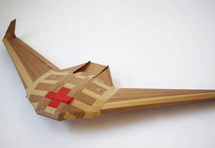 El drone es de un solo uso y por lo tanto no tiene que regresar al punto de origen una vez que ha completado su entrega.(Foto tomada de El País.com)