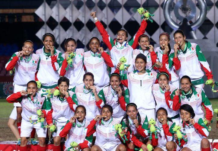 Los goles del Tri femenil que le dieron la medalla de oro en los Juegos Centroamericanos llegaron en los minutos 74 y 84. (Notimex)