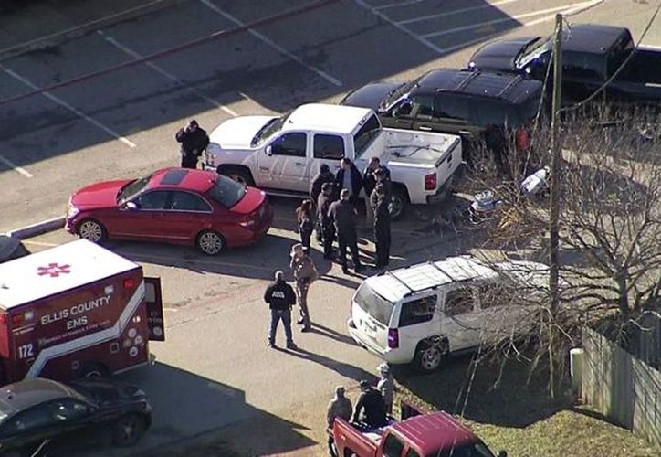 El responsable del tiroteo salió de la escuela después de cometer el acto. (Foto: El Debate)