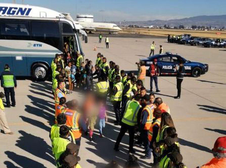 Resultado de imagen de mexico deporta migrantes en autobuses