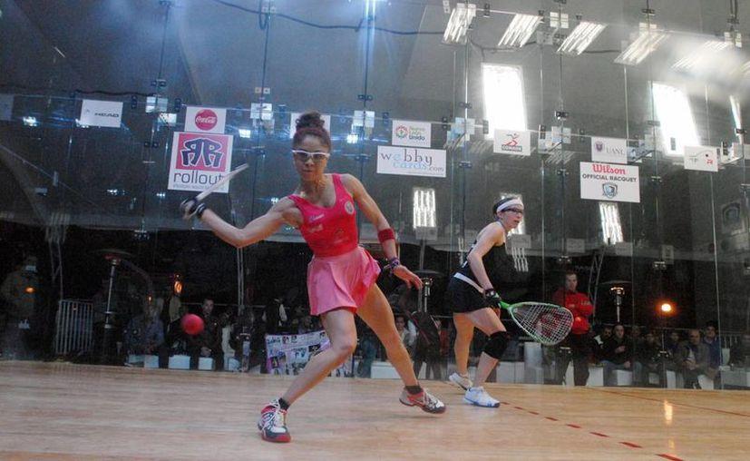 Paola Longoria venció en Reseda, California a Rhonda Rajsich, número dos del ranking, por parciales de 5-11, 11-8, 11-5 y 11-9. (Archivo  Notimex)