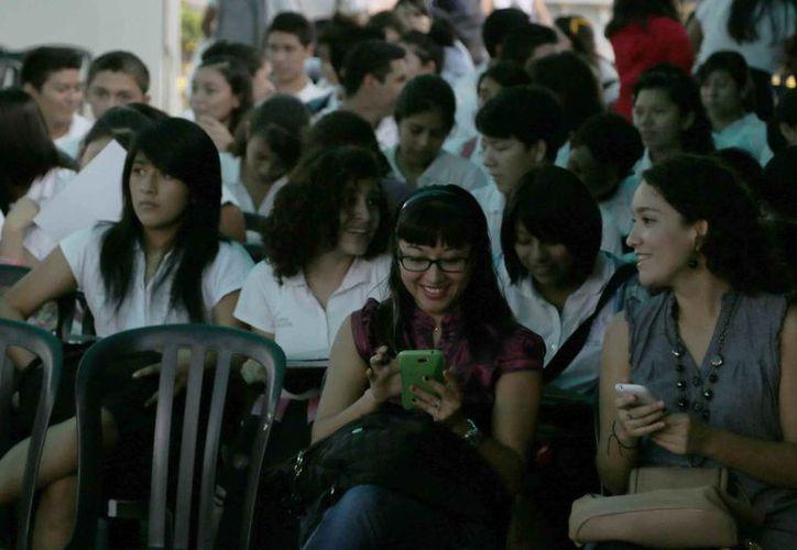Participaron alumnos de bachillerato, universidades y tecnológicos de todo el estado. (Israel Leal/SIPSE)