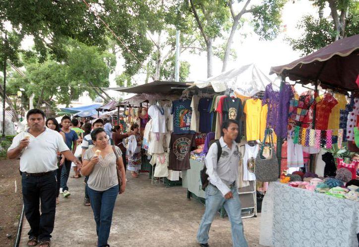 Mérida en Domingo es visitado por turistas nacionales y extranjeros. (Antonio Sánchez/SIPSE)