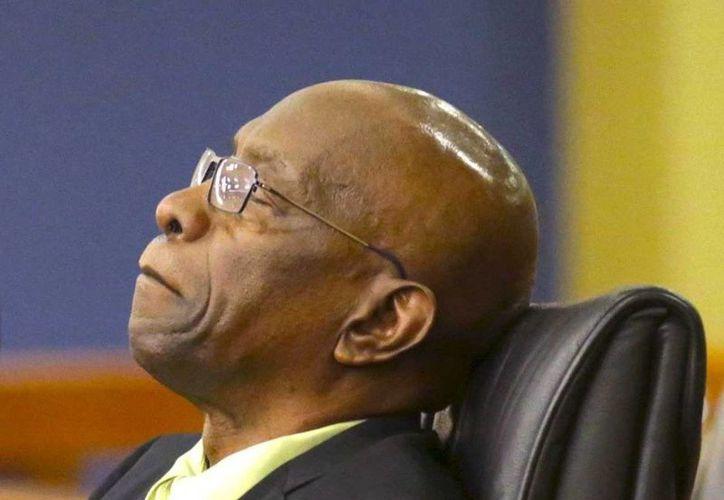 Se mantiene la intención de extraditar a Jack Warner a EU. El exvicepresidente de FIFA está acusado de corrupción en torno a la organización del Mundial de Sudáfrica 2010. (bussinessinsider.com)
