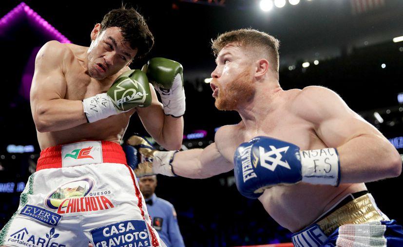 'Canelo' se llevó la victoria por decisión unánime. (Foto: AP)