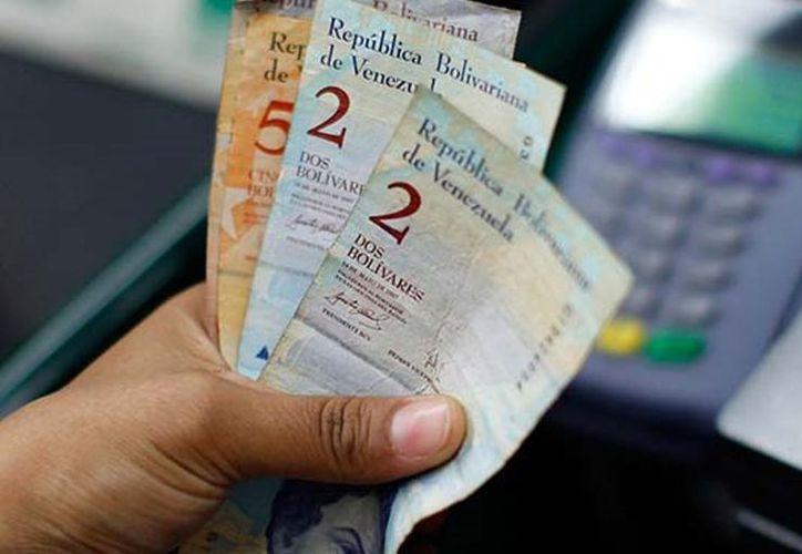 José Manuel Puente recomienda no endeudarse en dólares para hacer frente a la crisis nacional. (Foto: El Demócrata)