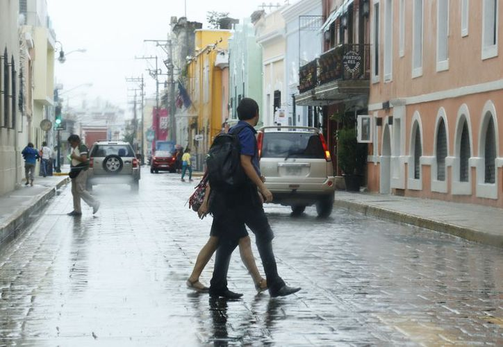 Ayer fue una jornada con chubascos frecuentes en la capital yucateca, de acuerdo con el Observatorio Meteorológico. (José Acosta/Milenio Novedades)