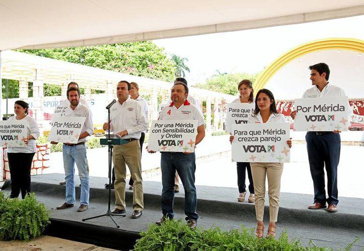 Nerio Torres Arcila, candidato del PRI a la alcaldía de Mérida, hizo este domingo un balance de su campaña. (SIPSE)