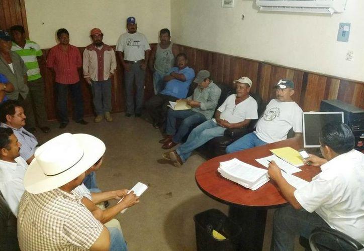 La Asociación de Productores Cañeros mencionó que el lunes pasado y ayer, el ingenio San Rafael de Pucté emitió las solicitudes firmadas por los cañicultores para que hoy se les comience a depositar. (Edgardo Rodríguez/SIPSE)
